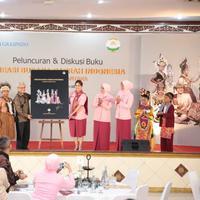 Diskusi tentang minat baca di peluncuran buku budaya daerah. (foto: Tim Muara Bagdja/Henry)