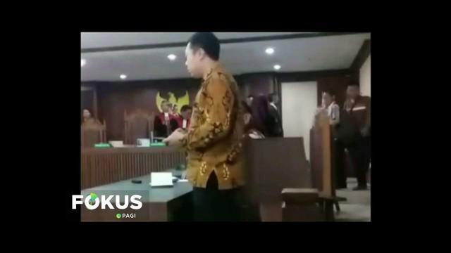Pengacara yang menganiaya hakim saat sidang perdata dijebloskan ke Rutan Polres Jakarta Pusat.
