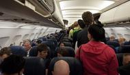 Ilustrasi naik pesawat (dok.unsplash/ Chris Brignola)