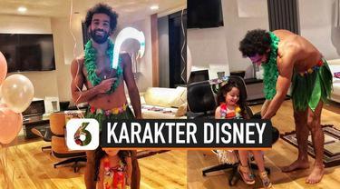 Hal unik dilakukan pemain Liverpool Mohamed Salah di saat perayaan ulang tahun putrinya. Demi membahagiakan sang putri, ia rela berdandan mirip karakter film Disney.
