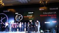 Duta Besar Inggris untuk Indonesia, Moazzam Malik di acara Alumni Awards 2016. (Liputan6.com/Tanti Yulianingsih)
