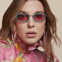 Mengintip koleksi kacamata dari Millie Bobby Brown untuk tampil lebih retro di hari Valentine (Foto: instagram/vogueeyewear)