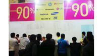 Foto: Diskon smartphone 90% di Indocomtech 2014 (Adhi Maulana/ Liputan6.com)
