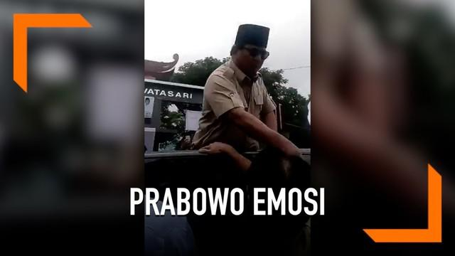 Beredar video saat Prabowo memarahi pria berbatik saat kampanye di Cianjur. Kejadian ini kemudian diklarifikasi oleh Jubir Prabowo-Sandi.