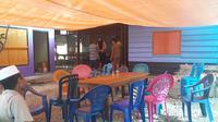 Suasana rumah duka almarhumah Bainur Safar, korban gempa Halmahera. (Liputan6.com/Hairil Hiar)