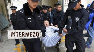 Chen ngotot tetap menjadi pasien Beijing Jingmei Group Hospital meski telah dinyatakan sehat oleh dokter yang menanganiny.Tidak tanggung-tanggung Chen betah tinggal di rumah sakit hingga tiga tahun lebih.Tagihan Chen di rumah sakit mencapai 2 juta yu...