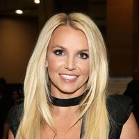 Britney Spears dengan terang-terangan mengaku melakukan lip injections. (Getty Images/Cosmopolitan)