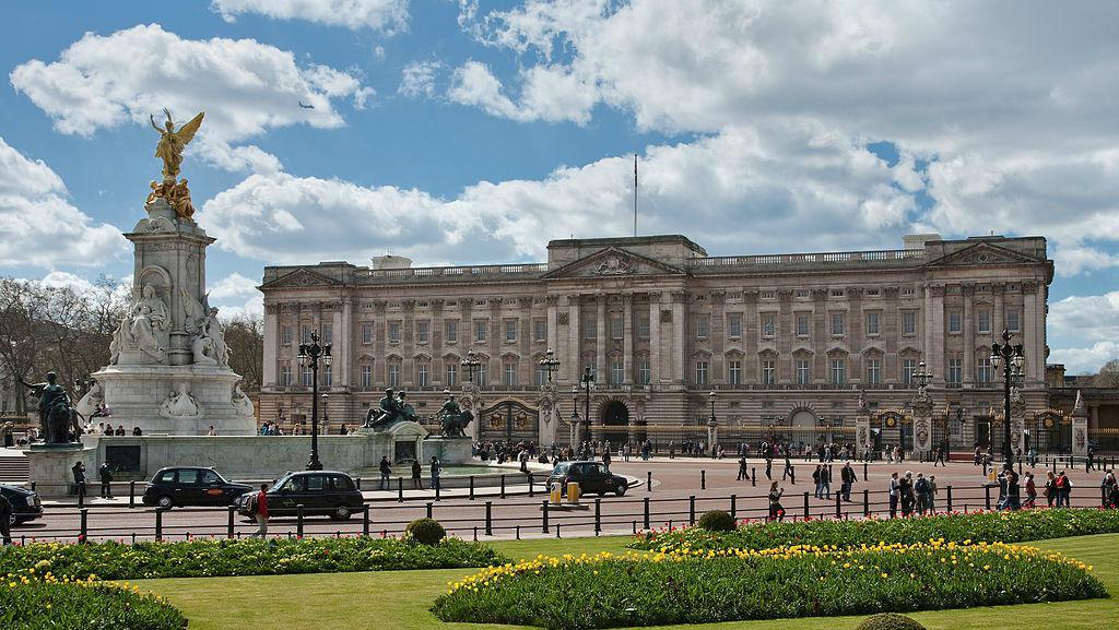 Istana Buckingham (Wikipedia)