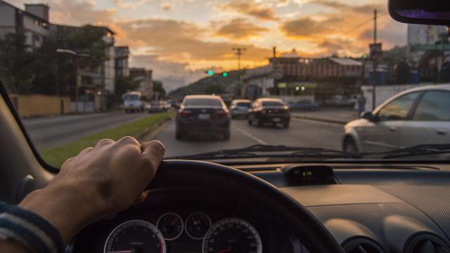 Jangan Sembarang, Ini Cara Melalui Turunan Tajam dengan Mobil - Otomotif  Liputan6.com