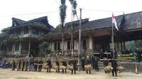 Kampung Adat Sinar Resmi (dok. Instagram @kasepuhansinarresmi/https://www.instagram.com/p/BXUo0S-hLHn/Putu Elmira)