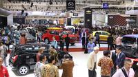 Suasana pameran Gaikindo Indonesia International Auto Show (GIIAS) 2017 di ICE BSD City, Tangerang, Banten, Kamis (10/8). Pameran ini kembali disebut-sebut sebagai pameran otomotif terbesar di Indonesia. (Liputan6.com/Angga Yuniar)