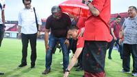 Ketua Umum PSSI, Mochamad Iriawan, melakukan inspeksi ke Stadion Kapten I Wayan Dipta, Gianyar, Bali, Sabtu (7/3/2020). Inspeksi ini masih dalam rangkaian untuk mempersiapkan venue Piala Dunia U-20 2021. (Istimewa)