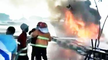 2 Kapal Motor Terbakar hingga Destinasi Wisata Pulau Samalona