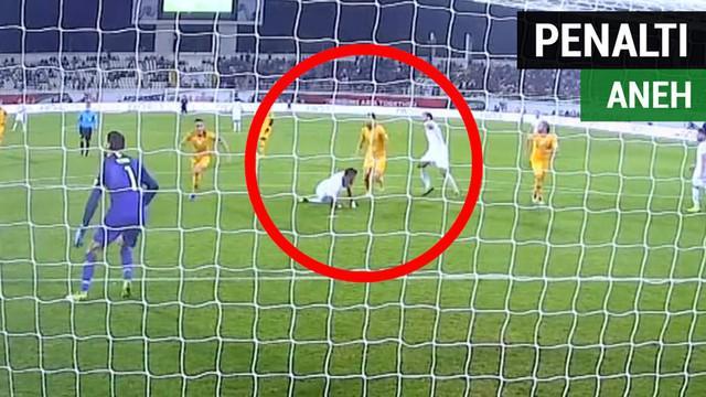 Berita video momen Suriah mendapat penalti dengan keputusan aneh dari wasit saat laga melawan Australia di Grup B Piala Asia 2019, Selasa (15/1/2019).