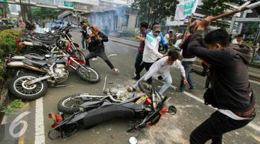 20160520- Demo Anti Ahok di KPK Berakhir Ricuh-Jakarta-Yoppy Renato
