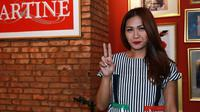 Penyanyi Tata Janeeta kembali merilis single bernuansa galau. Setelah merilis single Penipu Hati, kini ia kembali merilis single bernuansa galau yang berjudul Korbanmu. (Deki Prayoga/Bintang.com)