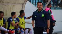 Pelatih PSIS, Jafri Sastra. (Bola.com/Ronald Seger Prabowo)
