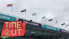 Meski GP Australia berlangsung 18-20 Maret 2016, Sirkuit Albert Park sudah mulai bersolek. Sejumlah sarana dan prasana telah dipersiapkan, tak terkecuali bendera Merah Putih yang berkibar tinggi di atas paddock sirkuit.