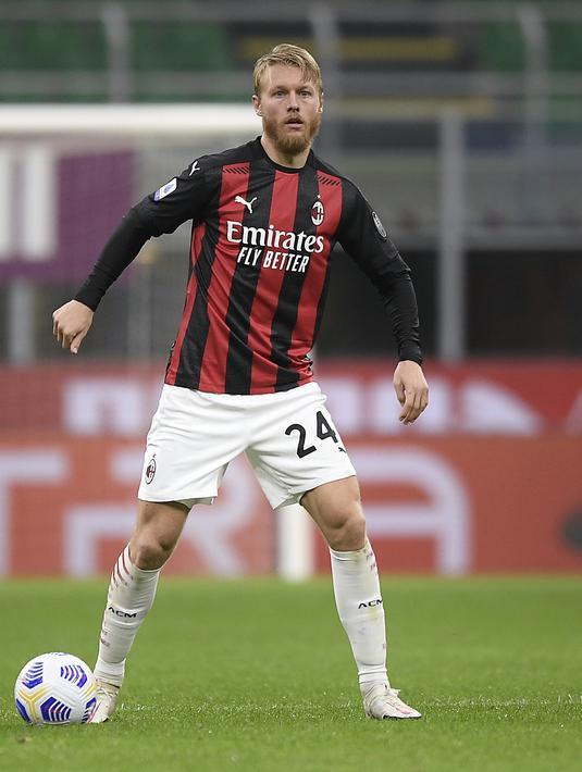 FOTO: Drama 6 Gol, AC Milan Berbagi Poin dengan Roma ...