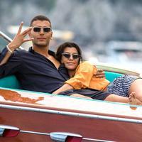 Kourtney Kardashian dan Younes Bendjima dikabarkan telah mengakhiri hubungan mereka. (E! News)