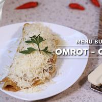 Omrot-Omlet Roti, menu untuk berbuka puasa. (Fotografer: Adrian Putra, Digital Imaging: Muhammad Iqbal Nurfajri/Bintang.com)