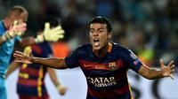 Bek Barcelona, Rafinha akan bertahan di Camp Nou hingga tahun 2020.