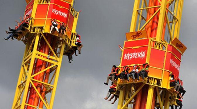 Wahana Hysteria memiliki tiang setinggi 60 meter dengan keliling menara seperti cincin besar.