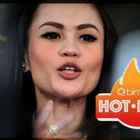 3 Kisah cinta Terlarang Jennifer Dunn, Selengkapnya di bintang hot issue.