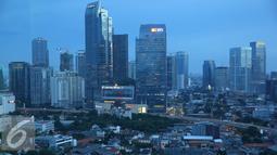 Pemandangan gedung-gedung bertingkat di Ibukota Jakarta, Sabtu (14/1). Hal tersebut tercermin dari perbaikan harga komoditas di pasar global. (Liputan6.com/Immanuel Antonius)