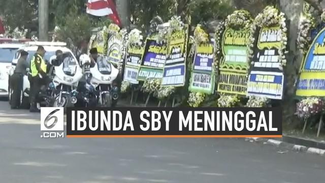 Jenazah Ibunda Presiden ke-6 Susilo Bambang Yudhoyono (SBY), Siti Habibah berada di rumah duka di Puri Cikeas Bogor hari Sabtu (31/8/2019). Rencananya akan dimakamkan di TPU Tanah Kusir Jakarta Selatan.