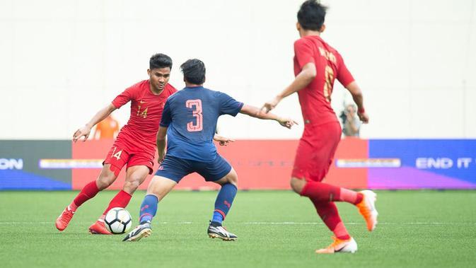 Pelatih Timnas Indonesia U-23, Indra Sjafri, mengaku timnya mendapatkan pelajaran berharga dari Thailand agar bisa melakukan pembenahan. (dok. Flona Hakim)