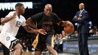Lakers akhirnya mendulang kemenangan perdana di musim 2015/2016 setelah menundukkan Brooklyn Nets 104-98 di Brooklyn.