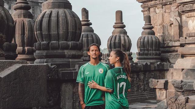 Seleb cantik yang terlibat hubungan asmara dengan pemain sepakbola tanah air