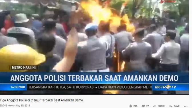 Cek Fakta Liputan6.com menelusuri klaim video Polisi terbakar saat demonstrasi menolak UU Omnibus Law