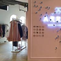 Instalasi seni produk fashion. (Foto: Fimela/ meita fajriana)