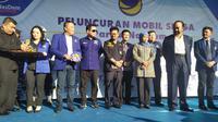 Partai Nasional Demokrat (Nasdem) meluncurkan 157 unit mobil siaga peduli rakyat di Surabaya, Jawa Timur, Sabtu (23/11/2019). (Foto: Liputan6.com/Dian Kurniawan)