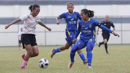 Pertandingan ini merupakan uji coba terakhir sebelum Timnas Putri Indonesia bertolak ke Tajikistan untuk menghadapi Singapura pada laga Grup C Kualifikasi Piala Asia Wanita 2022. (Foto: Bola.com/M Iqbal Ichsan)
