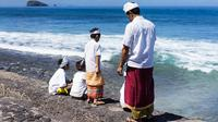 Saat ini umat Hindu Bali sedang merayakan hari suci Siwaratri.Ada banyak hari suci lainnya setiap bulannya.