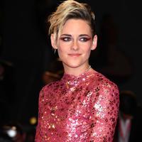 Kristen Stewart ditawarkan jadi bintang film Marvel (FOTO: Splashnews)