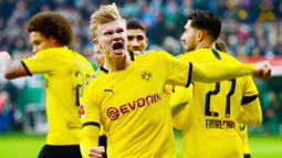 2. Erling Braut Haaland (Borussia Dortmund) - Talenta muda berusia 20 tahun ini tampil mengesankan bersama Borussia Dortmund. Meski gagal membawa Dortmund melangakah lebih jauh di Liga Champions 2019/2020, Haaland mampu mengoleksi 10 gol. (AFP/Patrik Stollarz)