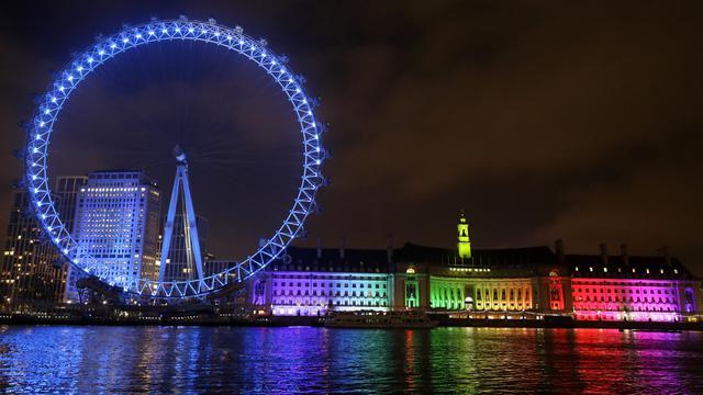 London Eye Membiru