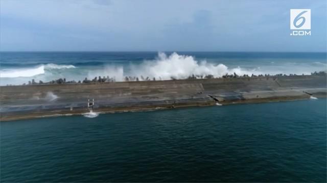 Topan Maria berkekuatan 191 kph melanda sejumlah kawasan di Taiwan.