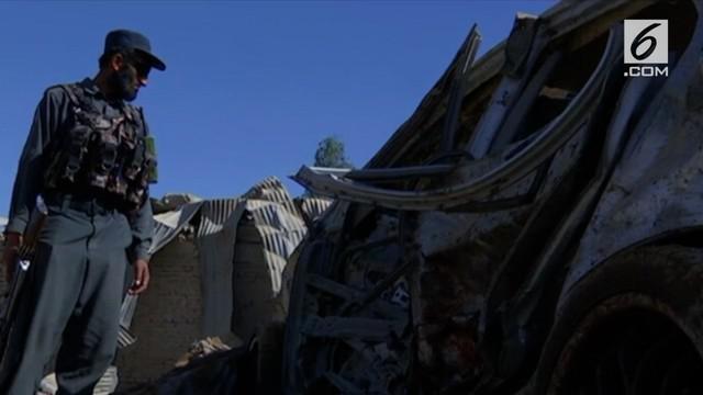 Sebuah bom mobil meledak di Kandahar, Afghanistan. Menewaskan setidaknya 16 orang dan melukai beberapa lainnya.
