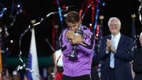 Rafael Nadal merayakan kemenangan atas Daniil Medvedev pada final AS Terbuka 2019 di Arthur Ashe Stadium, Minggu (8/9/2019) atau Senin pagi WIB. (AFP/Matthew Stockman)