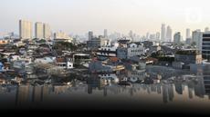 Pemandangan gedung bertingkat di Jakarta, Jumat (10/9/2021). Kementerian Keuangan mencatat realisasi program Pemulihan Ekonomi Nasional tahun 2021 hingga 20 Agustus 2021 mencapai Rp 326,74 triliun atau 43 persen dari pagu Rp 744,77 triliun. (Liputan6.com/Johan Tallo)