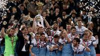 Lazio merebut titel Coppa Italia 2018-2019 setelah menumbangkan Atalanta di final dengan skor 2-0 di Stadio Olimpico, Roma, Kamis dini hari WIB (16/5/2019). (AFP/Isabella Bonotto)