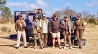 Maia Estianty dan Irwan Mussry bersama rombongan saat berada di Taman Nasional Kruger, Afrika Selatan (Dok.Instagram/@maiaestiantyreal/https://www.instagram.com/p/B3HBM0fHrqs/Komarudin)