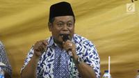 Ketua PBNU KH. Marsudi Syuhud memberikan sambutan pada acara bedah buku Membela Islam, Membela Kemanusiaan yang mengangkat tema Merawat Keindonesiaan di Tengah Ancaman Politik Sara di Jakarta, Jumat (6/4). (Liputan6.com/Arya Manggala)