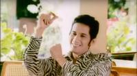 Jacky Zimah dalam video Secawan Anggur. (YouTube Bigdut Official)