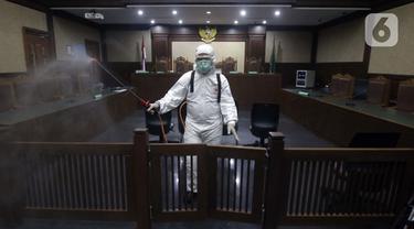 PN Jakarta Pusat Disemprot Cairan Disinfektan